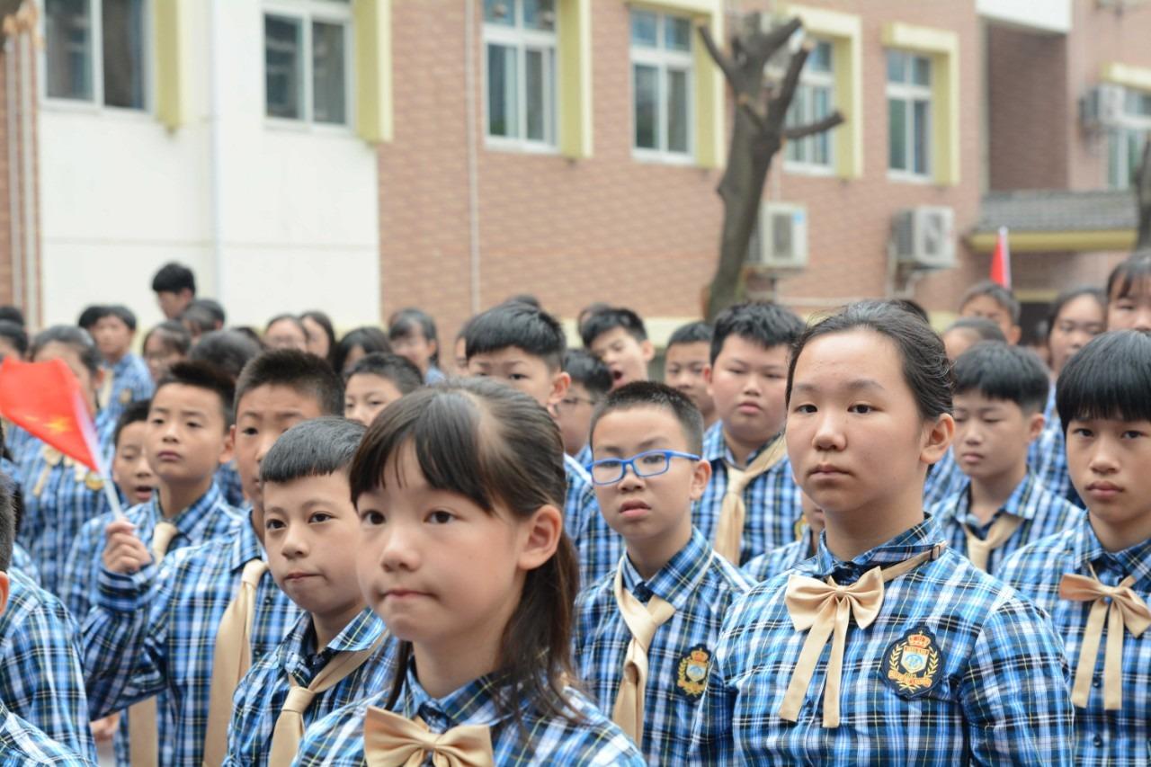美视国际开学典礼,悄悄地,红了老师的眼眶
