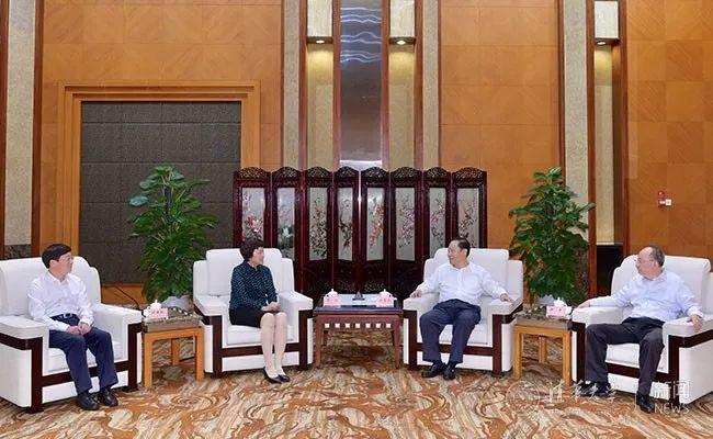 陈旭率团访问四川,签署全面深化战略合作协议并看望校友