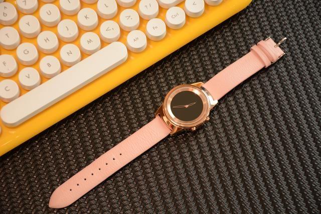 老牌厂商发新芽,既有屏幕又有指针的智能手表,网友:这设计绝了