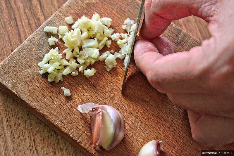 大蒜对抗癌具有神奇的功效,吃不对可能会适得其反,怎么回事?
