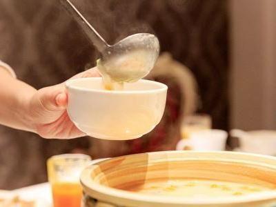 南方人饭前喝汤,北方人饭后喝汤,谁喝对了?跟汤的种类有关系