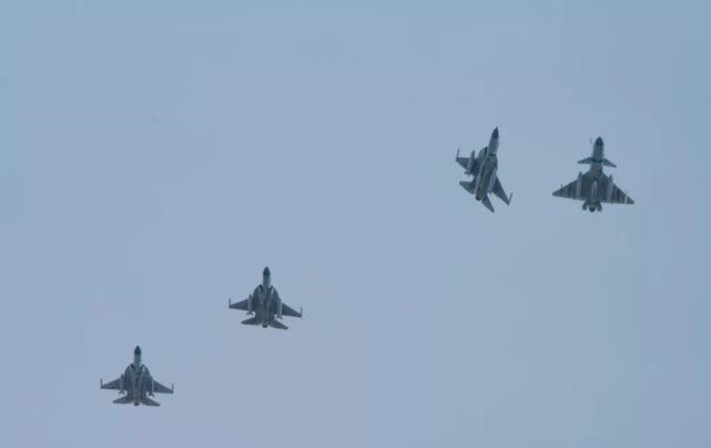 印度總統專機請求飛越領空,梟龍戰機亮導彈警告:敢過線開火擊落