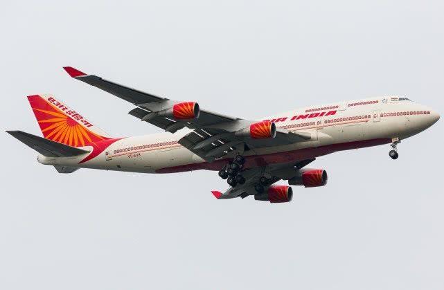 印度总统专机请求飞越领空,枭龙战机亮导弹警告:敢过线开火击落