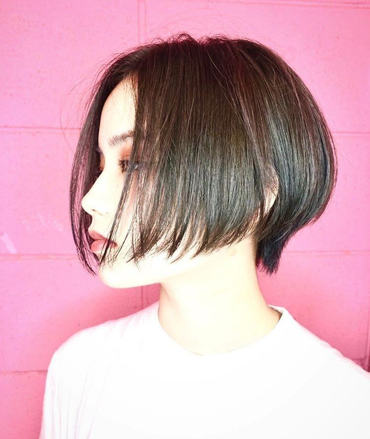 三十岁女人短发别乱剪,选这样的短发,特别显气质