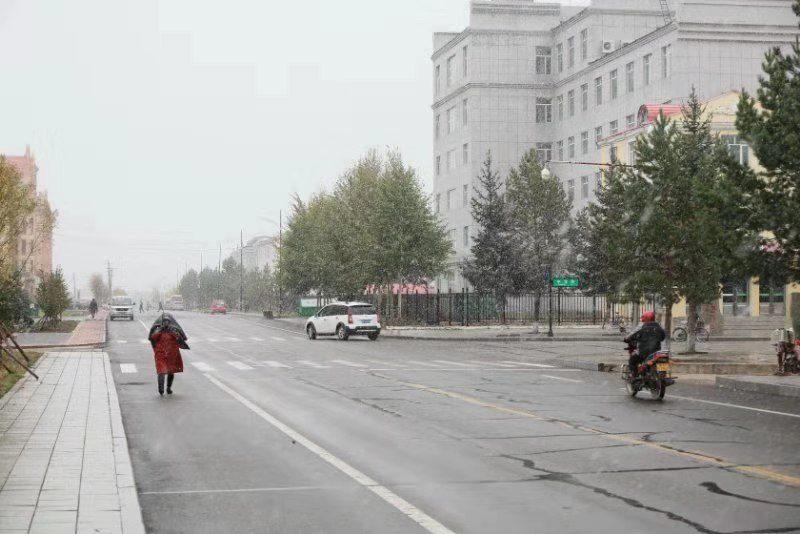漠河下雪跌破0度,冬天提前到!南方降温还远吗?权威预报:还远