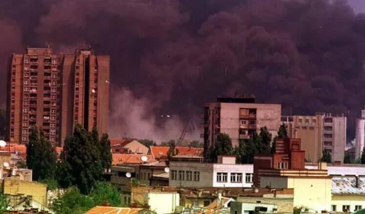 """美大使呼吁塞尔维亚""""忘却""""北约轰炸 俄:美应先道歉赔偿"""