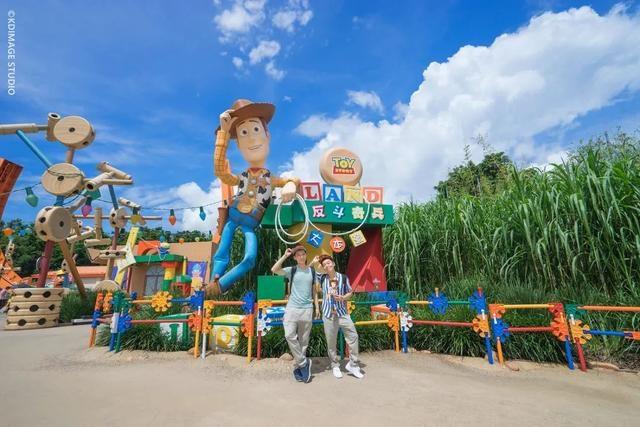 暑期亲子游推荐 : 去香港迪士尼尽情玩水