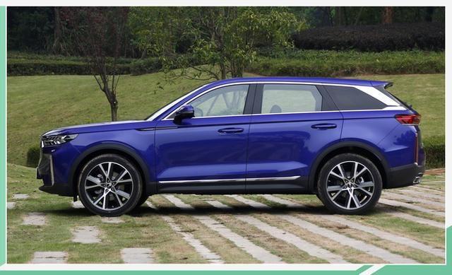 一汽奔腾T家族旗舰SUV 全新T99明日正式下线