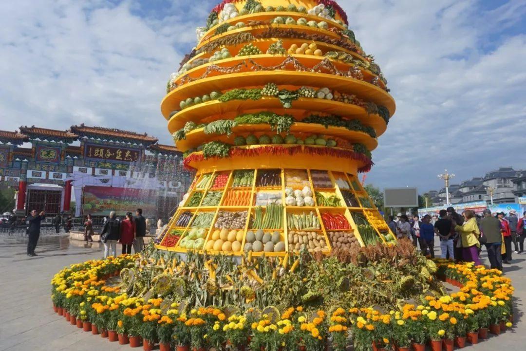 丰收了!内蒙古农牧民载歌载舞向祖国表白