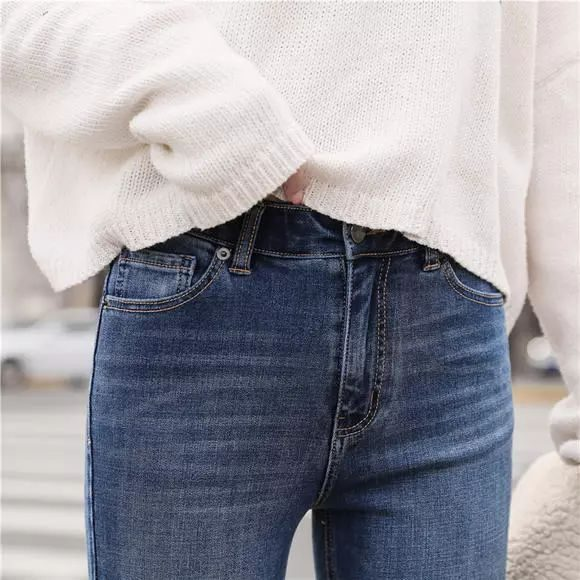 这条牛仔裤专为东方女性设计,收腹提臀,穿上立马显瘦。