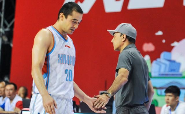 周琦并非新疆男篮的夺冠拼图,三战狂砍56分的他才能解决球队短板