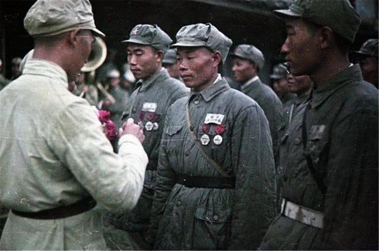 一组由苏联人拍摄,真实反映1949年解放军战斗风貌的老照片
