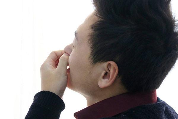鼻毛长出来有什么用?鼻毛变白又代表什么意思?一次性告诉你答案