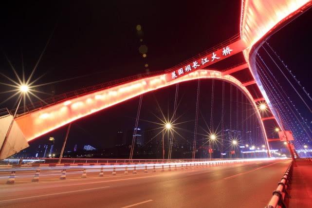 国内桥梁最多城市,大桥数量多达1.4万座,外国游客都赞叹不已