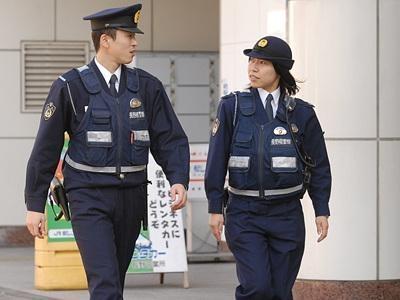男子冒充警察开走运钞车,抢走3亿扬长而去,至今仍下落不明