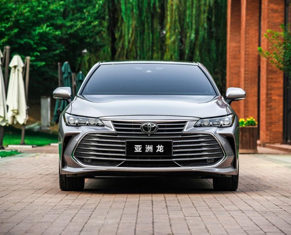 丰田新车上市,档次压凯美瑞半头,起步不足20万,对国人很有诚意