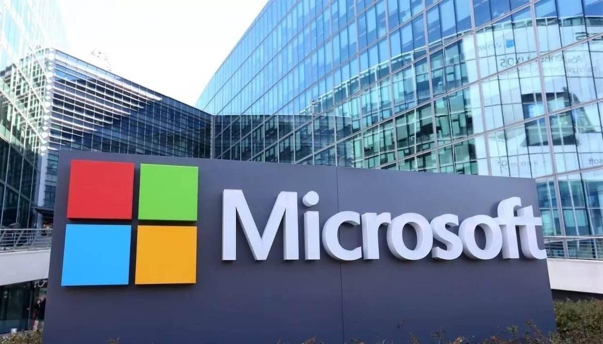 微軟重新回歸智能手機市場?兩款Surface小尺寸折疊產品發布!
