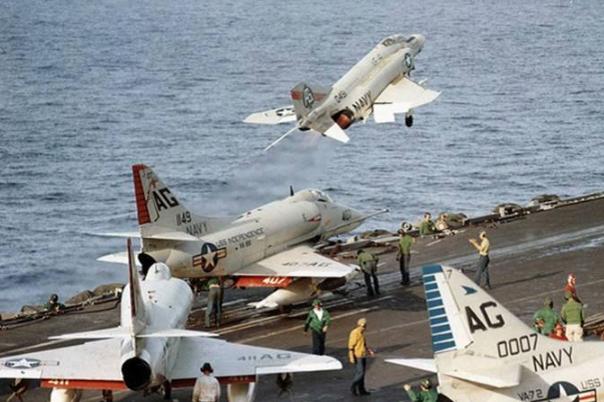 戰機未起飛也事故不斷,直接被吸入進氣口,多國出現類似事件