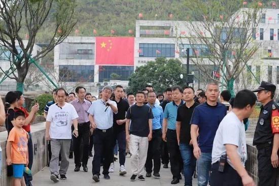 馬云國慶假期打卡網紅博物館,剛現身就被游客包圍