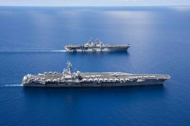 """美军""""里根""""号航母编队在南海举行联合演习"""