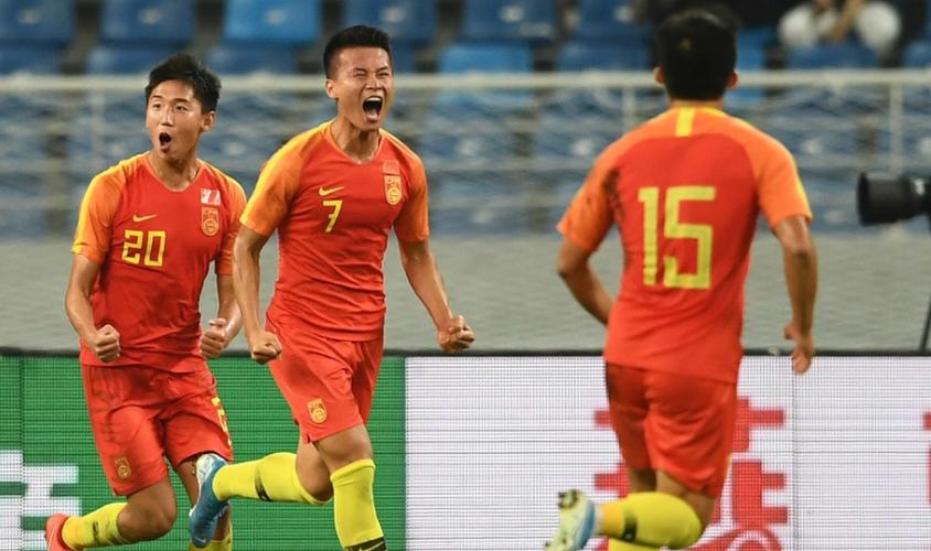视频直播足球邀请赛:中国国奥VS约旦国奥 张玉宁领衔出战