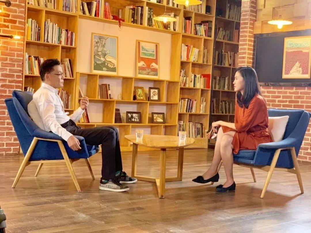 李国庆摔杯一怒为俞渝:她用阴谋诡计把我赶出了当当