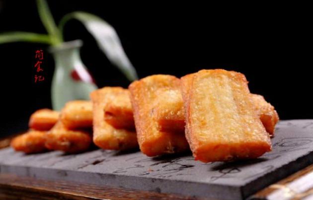 炸帶魚時,不要再用面粉和淀粉了,換成這味料!更香更脆,不粘鍋