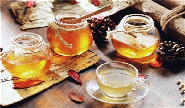 绿茶加蜂蜜减肥法,绿茶加蜂蜜早上空腹喝好吗?