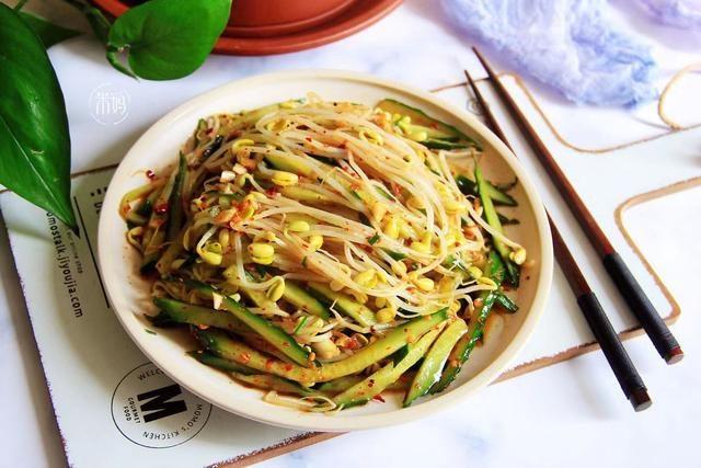這2樣素菜拌一起,實在太好吃了,清香脆口又刮油,多吃也不長肉
