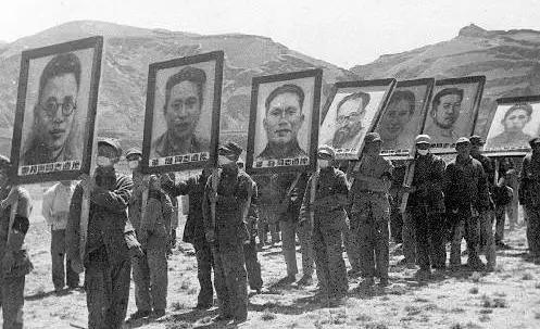1946年,與葉挺一同遇難的,還有三個大人物,一個比一個厲害
