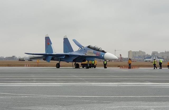 抱怨戰斗機不白給,索要巨額能源補貼,盧卡申科把普京當冤大頭
