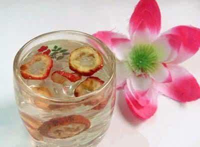 山楂泡水喝有什麼功效與副作用?
