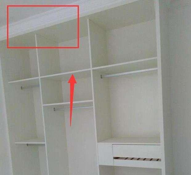 衣櫃打到頂,石膏線咋處理?老師傅說的解決方案,毫無縫隙!完美