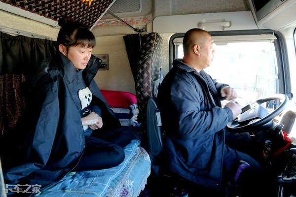 打仗親兄弟開車夫妻檔,奔襲800公里,坐著J7走進卡友的真實生活