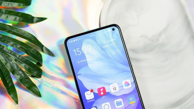 巧妙設計+獨特配色 這些手機單憑顏值就能讓你心動
