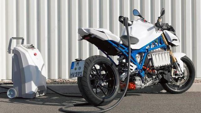<b>路咖評:寶馬電動摩托車曝光 新能源領域又有新玩法?</b>