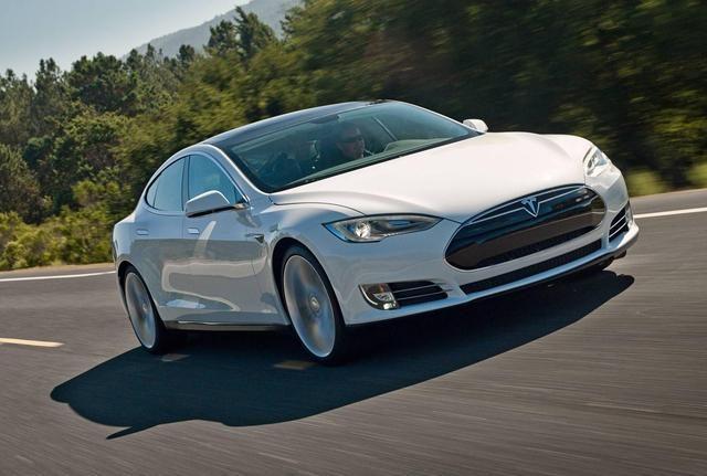 特斯拉不就是比國產電動車多200公里續航,值得賣那麼貴嗎?