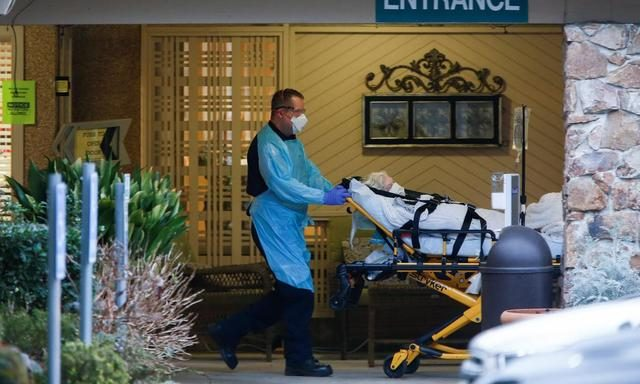 """华裔女医生在美国""""吹哨"""",却被下令封口,结果美国抗疫耽误6周"""