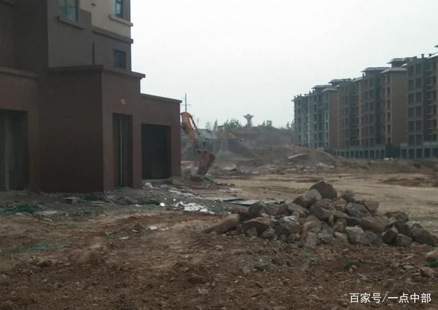 新密岳村�:�V�a�Y源遭�乐乇I采,�l�肀Wo�G水青山