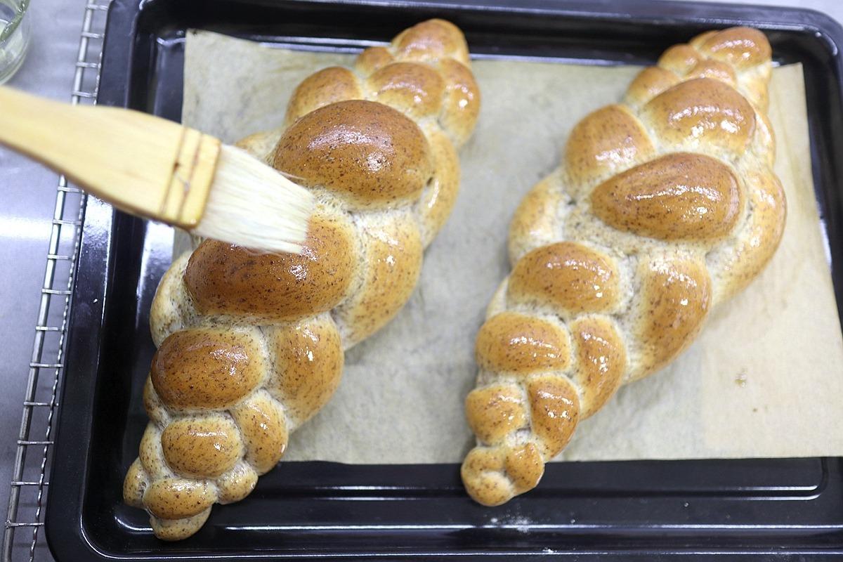 我家早餐愛吃這面包,暄軟有嚼勁,煎蛋蔬菜隨意放,老人孩子也愛