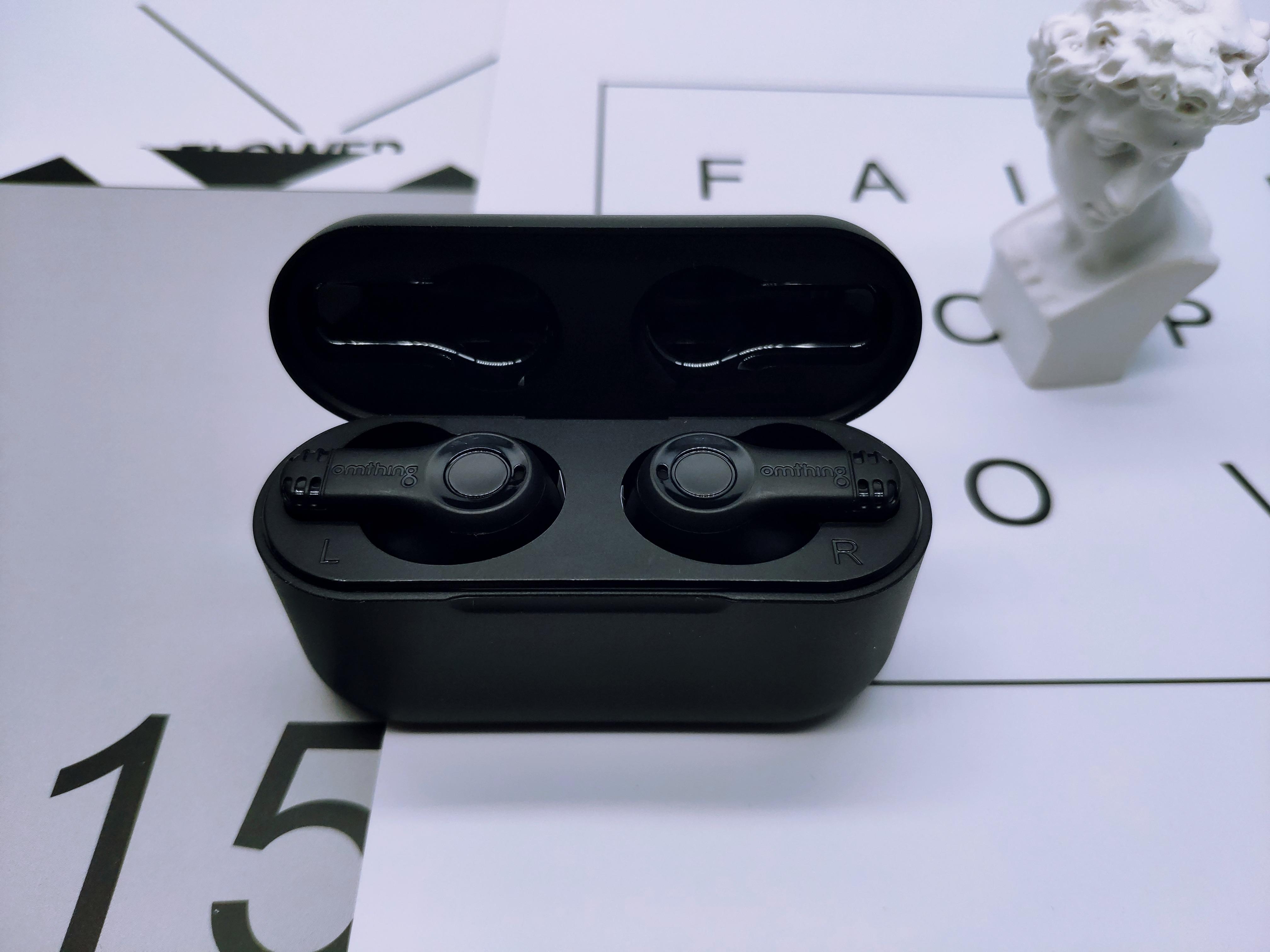 百元TWS耳机哪家强?omthing真无线蓝牙耳机告诉你答案