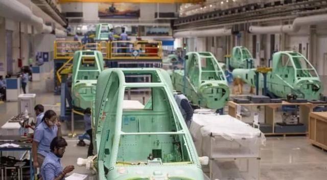 阿帕奇成功交付2500架,直10仍要努力,中國飛機產量為何上不來?