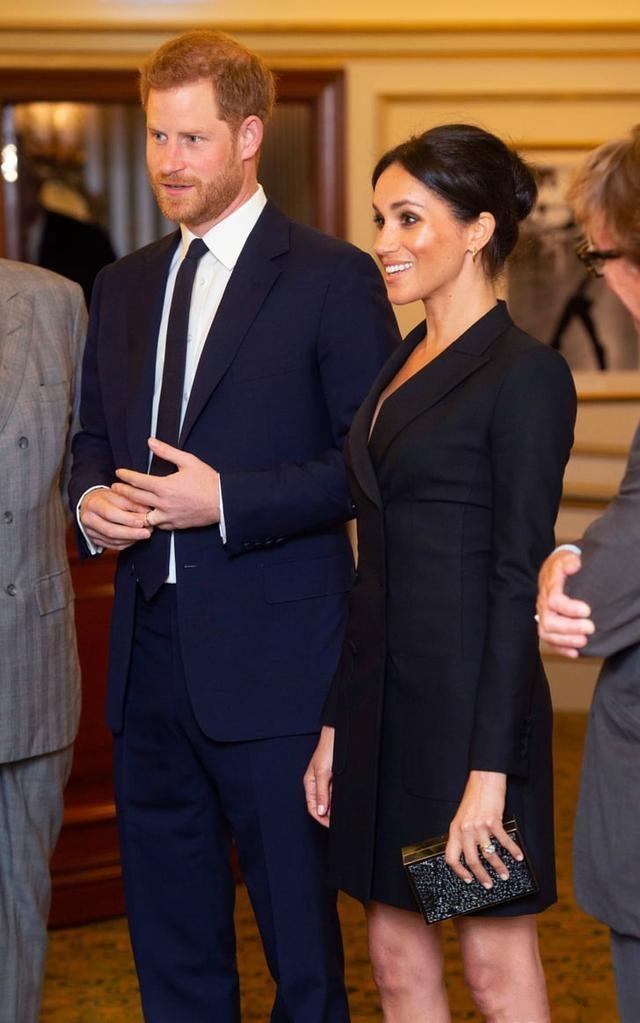 梅根生日真討巧!凱特曬她穿襯衫甜照,因她和王太後的這層紐帶?