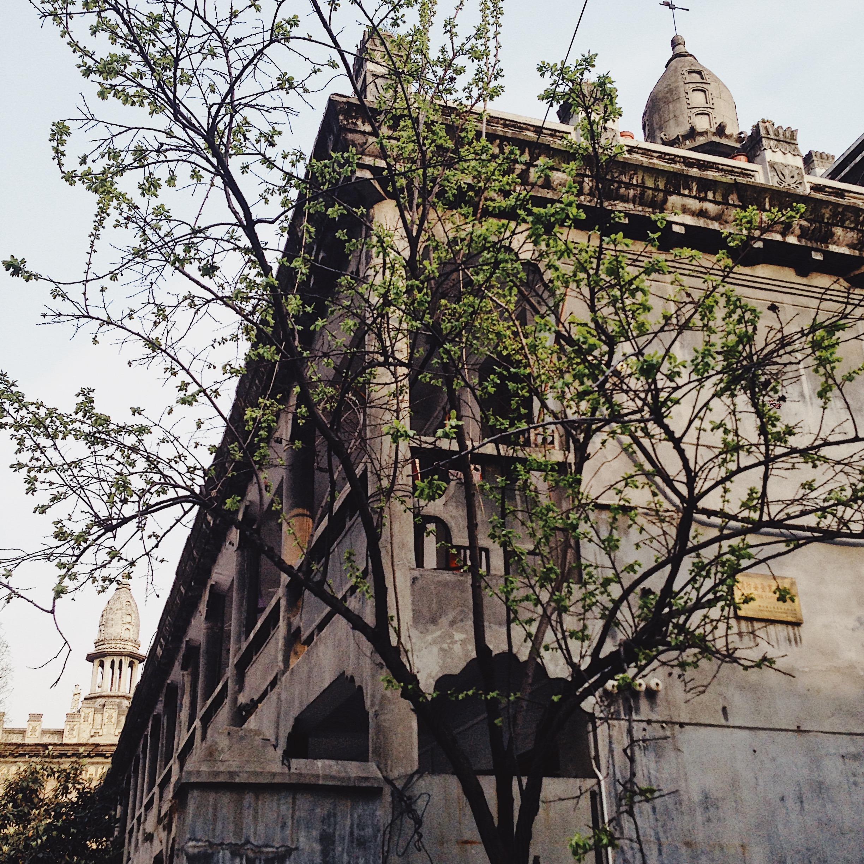 武漢名片,藏在都市里的清靜古寺,乍一看卻像是來到歐洲古堡