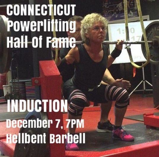 她60歲開始健身,72歲時負重平板支撐140斤,硬拉270斤,完爆99%的年輕人!