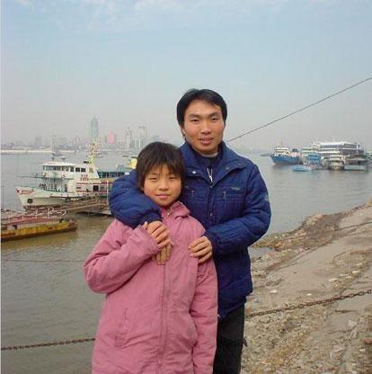 23年了,高中打工讀書養家,帶著妹妹上大學的河南男孩,如今怎樣
