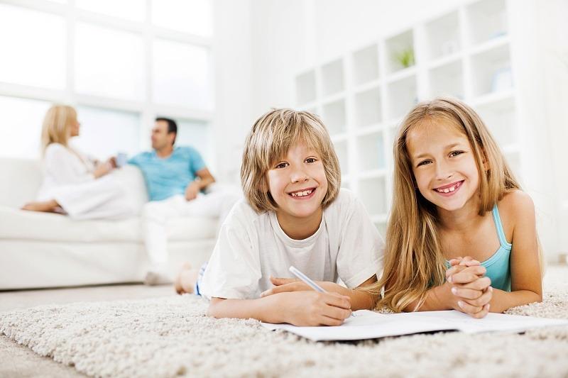 家有女儿,再穷不能穷3件事,高情商父母提前看
