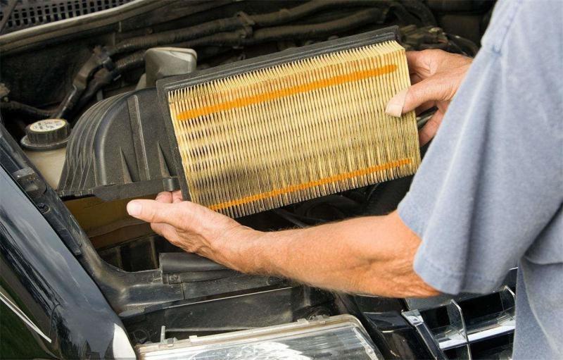 加大油門,發動機嗡嗡叫,速度提不上來,這是哪里的問題?