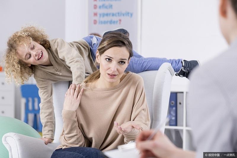 优秀父母谨记:3个坏习惯容易被孩子模仿,一定不要触碰