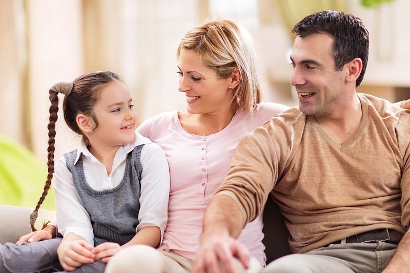 为什么孩子不愿意和父母说话?请你要明白3点,现在看来得及